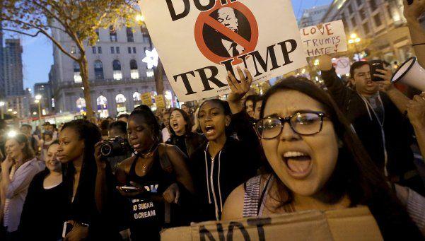 EE UU: miles de personas protestaron contra Donald Trump