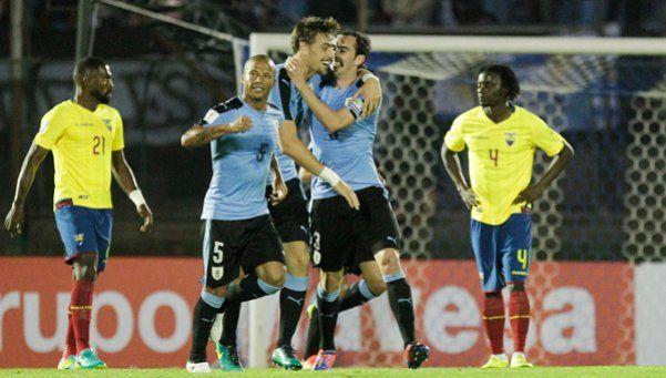 Uruguay se afirma en el segundo puesto y ya sueña con Rusia 2018