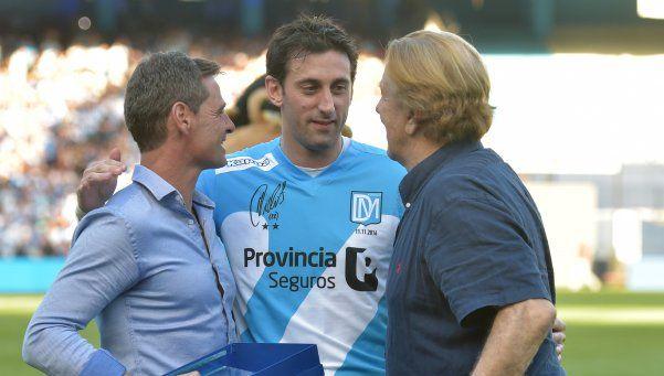 Imágenes exclusivas | La gente de Racing le dijo adiós a Diego Milito