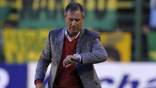 Holan renunció y el Halcón busca entrenador