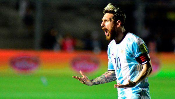 San Messi guió hacia la victoria a la Selección, que termina el año en Repechaje