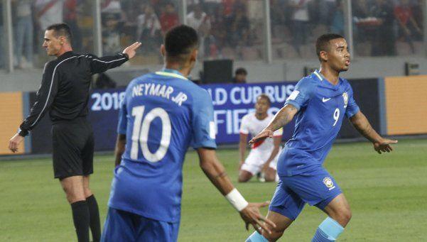 Brasil exhibió su  poderío y el Mundial  le queda cerca