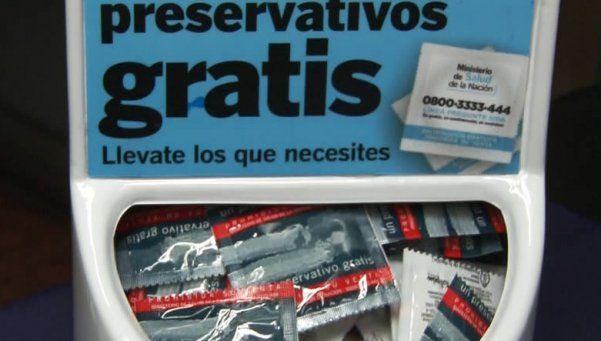 Advierten que el Estado traba el reparto de preservativos