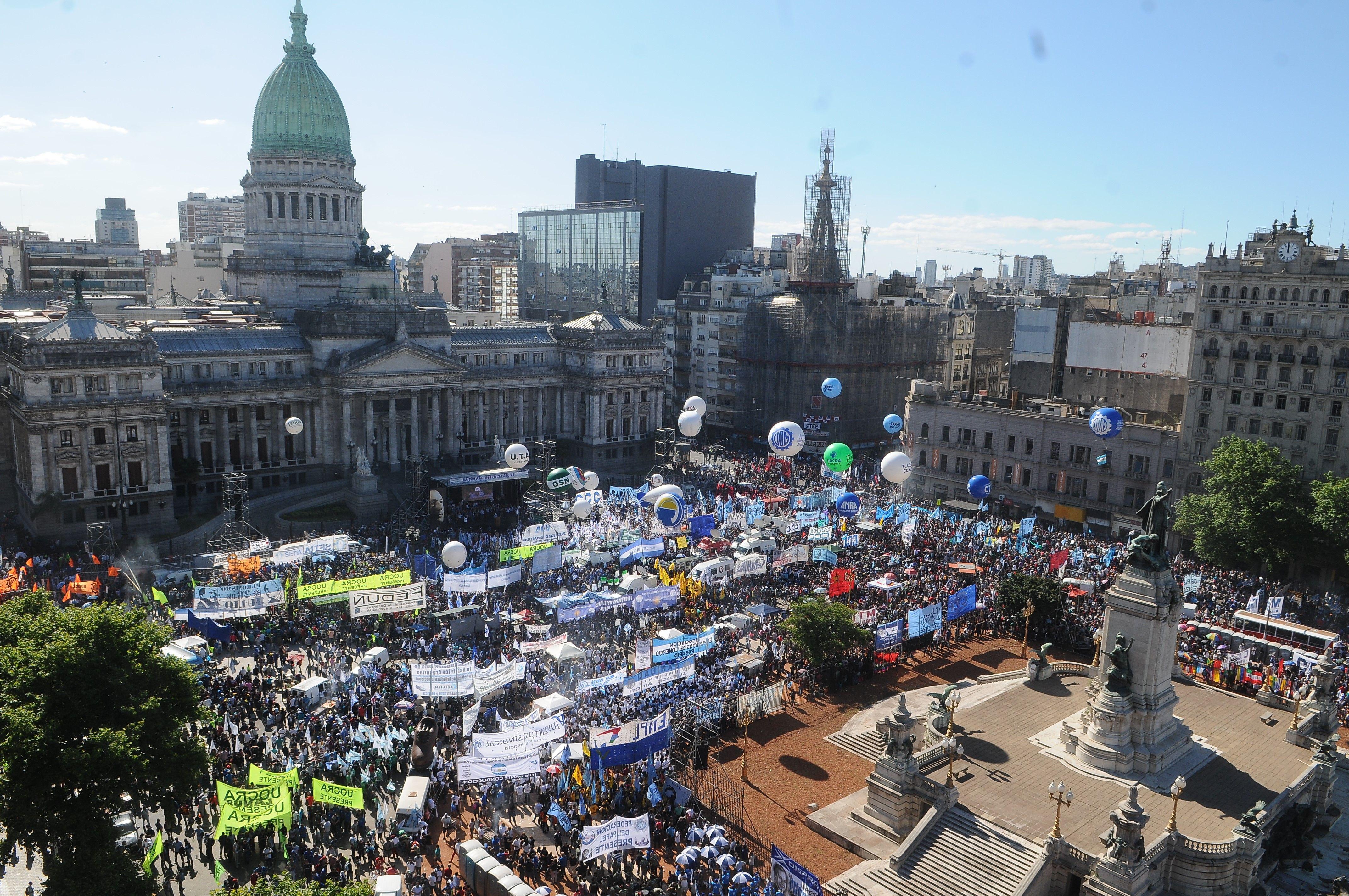 CGT y movimientos sociales pidieron no vetar la ley de Emergencia Social