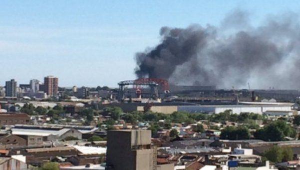Incendio complicó la visibilidad en Autopista Buenos Aires-La Plata