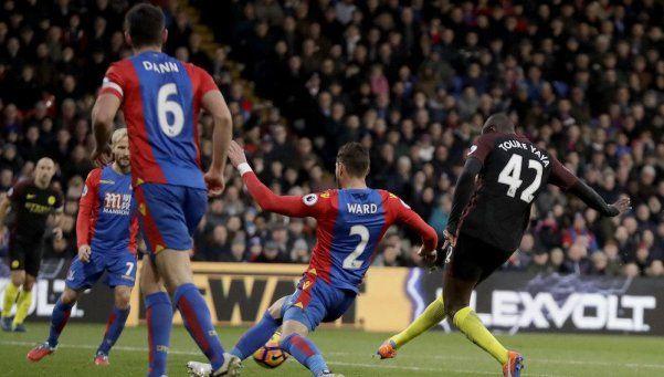 El City aprovechó el empate del Liverpool y volvió a la punta