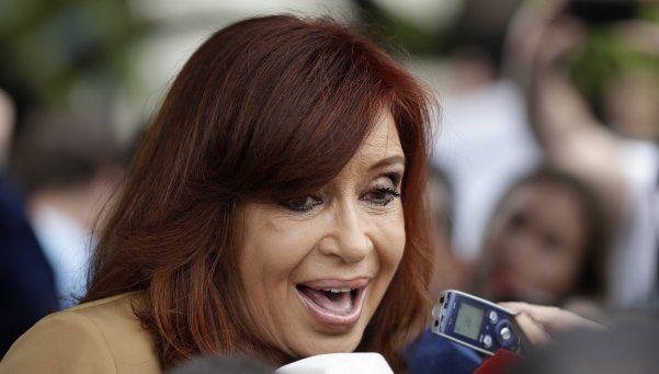 Cristina tuiteó por el Día de la Soberanía Nacional y le pegó al Gobierno