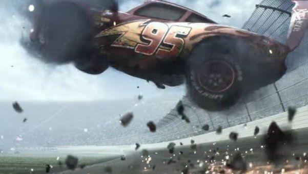 Video   Cars 3: el primer teaser y un violento accidente de Rayo McQueen