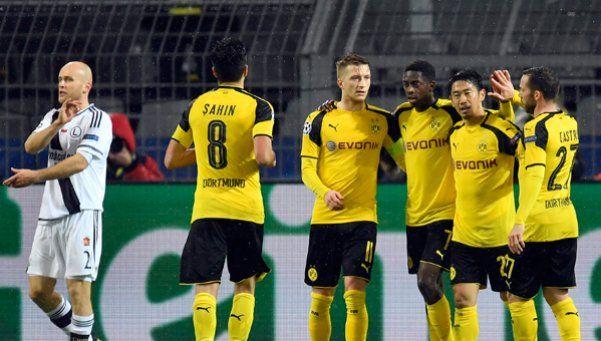 ¡Un gol cada 8! Dortmund y Legia Varsovia agujerearon redes en la Champions