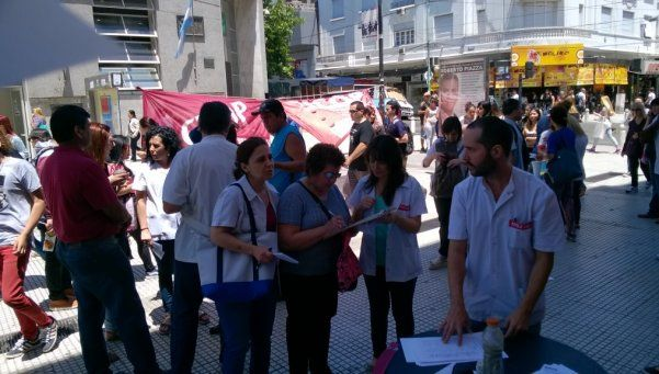 Demandas de médicos lomenses no encuentran eco en el gobierno