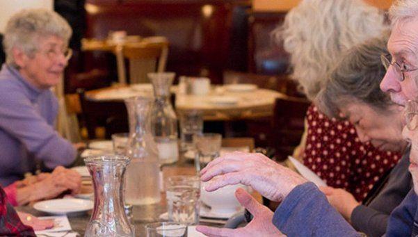 Adultos mayores con autoestima