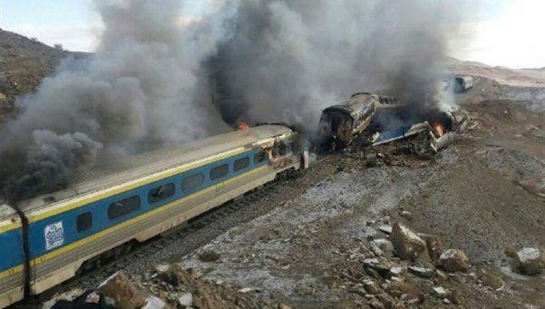 Irán: choque de trenes dejó 44 muertos y más de 80 heridos