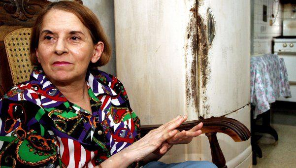 Exiliada no festeja, pero reza por el alma de Fidel