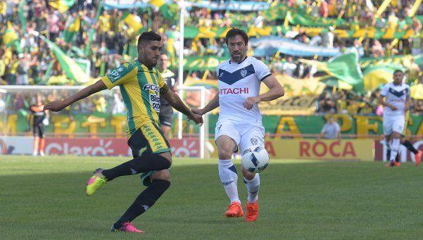 Vélez aguantó con uno menos y empató con Aldosivi