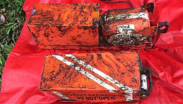 Chapecoense: hallaron las dos cajas negras del avión