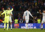 El Madrid ahogó el festejo del Barsa en el final y es súper puntero