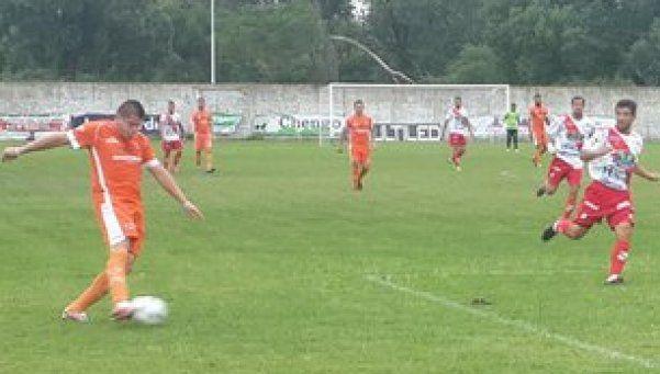 Berazategui cayó por 2 a 1 ante Luján y sigue en crisis
