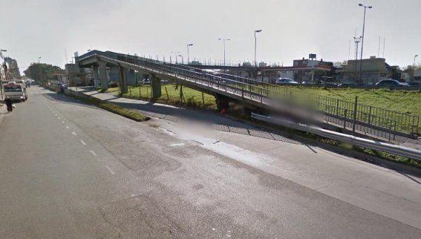 Preocupación por robos en puentes peatonales