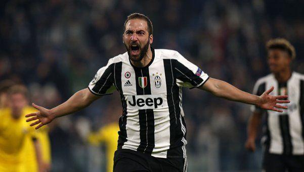 Juventus ganó con un gol de Higuaín y terminó como líder