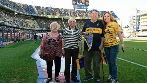 Homenaje en Boca por 80 años como socios