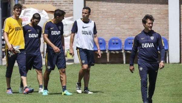 Carlos Tevez y Pablo Pérez volvieron a entrenar aparte