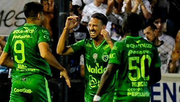 Sarmiento continúa en su racha positiva