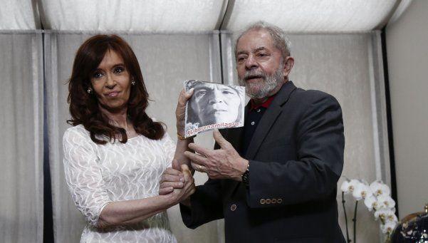 Cristina se reunió con Dilma Rousseff y Lula en San Pablo