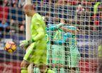 Con Messi y Suárez iluminados, Barcelona sumó y sigue en carrera