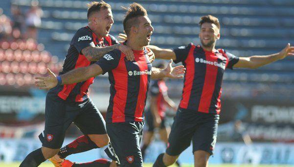 San Lorenzo sufrió, pero venció a Unión y quedó puntero