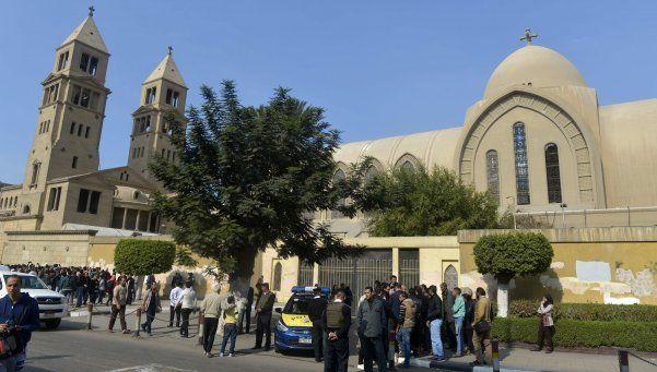 Atentado en El Cairo provoca al menos 25 muertos y 49 heridos