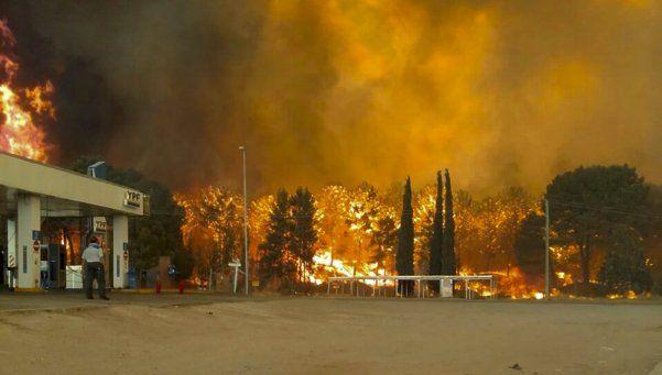 Impresionante incendio en los bosques de Cariló y Valeria del Mar