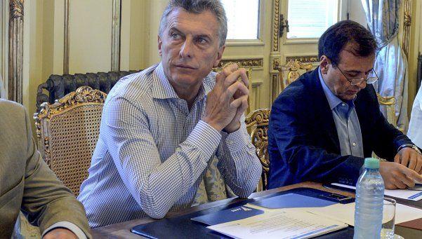 Macri firmó el decreto para eximir de Ganancias el aguinaldo