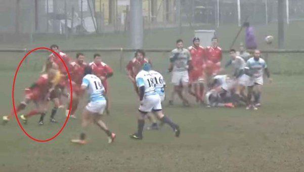 Video   Salvaje tackle de rugbier argentino a árbitro