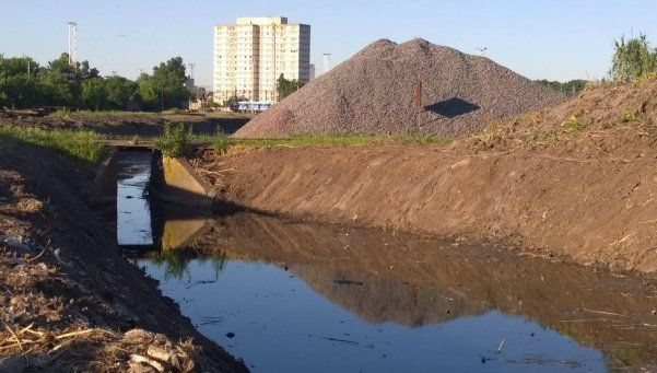 Advierten que obra comunal agravará las inundaciones