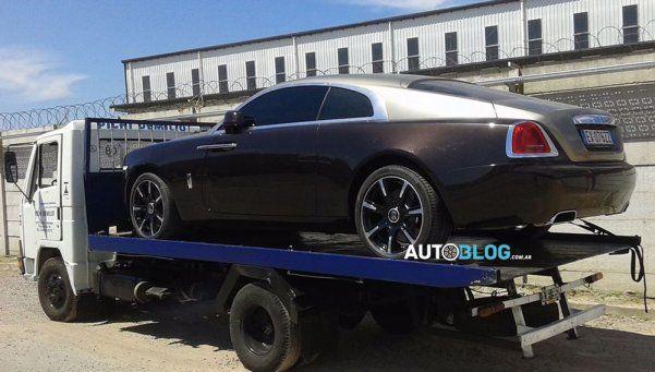 Carlos Tevez ya tiene su lujoso Rolls-Royce en la Argentina