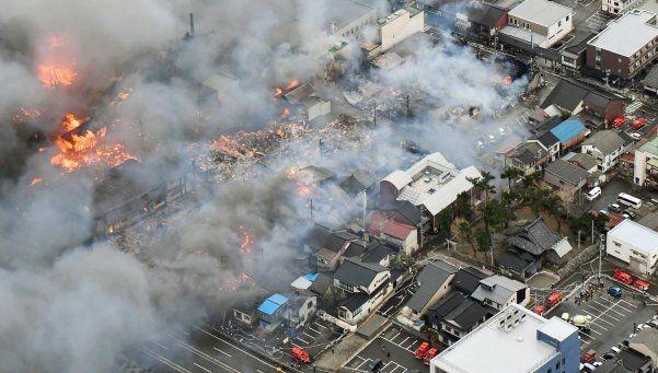 Video | Impresionante incendio arrasó con 140 casas en Japón