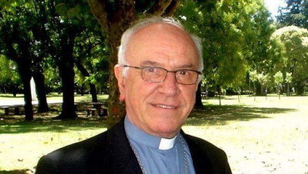 Polémica designación de ex obispo quilmeño