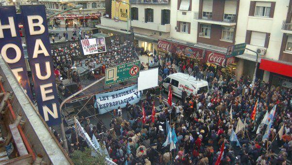 De vacaciones, Macri vetó la expropiación del Hotel Bauen