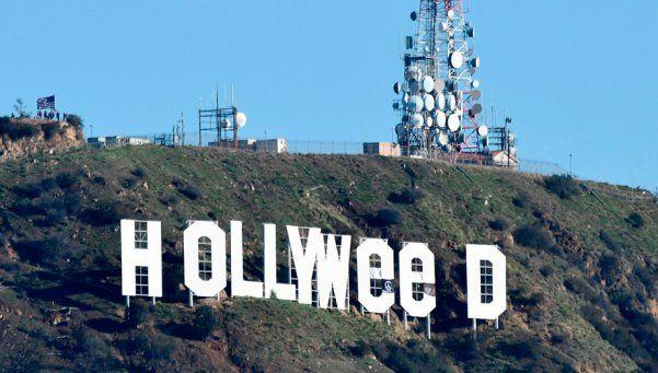 El histórico cartel de Hollywood amaneció con los ojos rojos