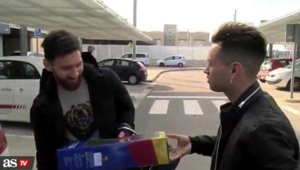Un fanático de Messi le adelantó el regalo de Reyes a Thiago