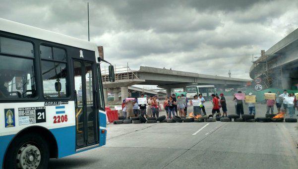 Corte en Puente La Noria: vecinos exigen seguridad