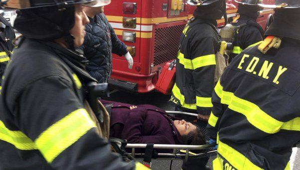 Descarriló un tren en Brooklyn: más de 70 heridos