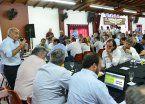Entre veto y veto, Vidal le da aire político al vice Daniel Salvador