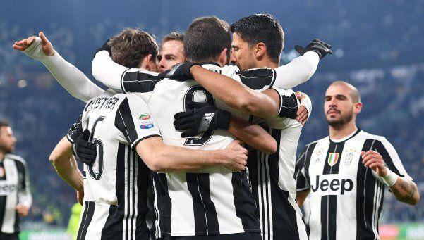 Juventus, cada vez más líder con los goles de Higuaín y Dybala