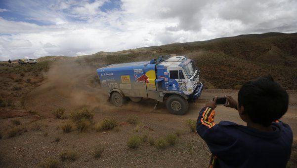 Luego de la lluvia y el descanso, el Dakar pisa el acelerador