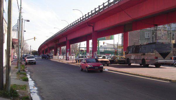 Lanús: controversia por futuro destacamento policial sobre un viaducto