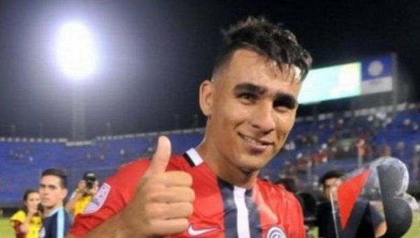 Racing incorporó al paraguayo Junior Alonso