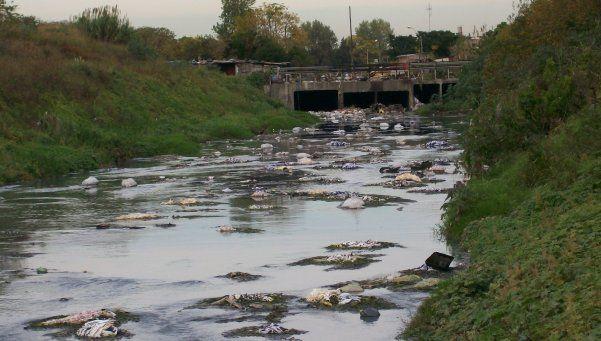 Denuncian pocos cuidados en el río Reconquista
