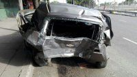 Alcoholizado, a 140 km/h chocó a un auto estacionado y mató a una mujer