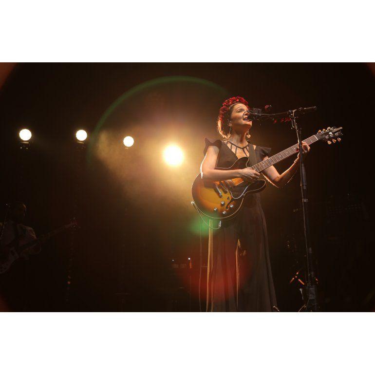Natalia Lafourcade: Con mis canciones fotografío momentos